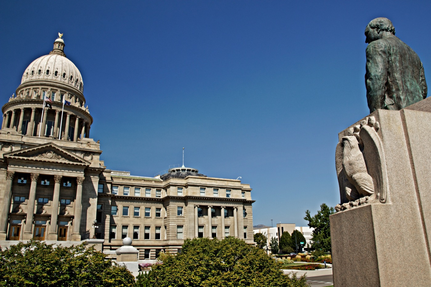 106572402 - idaho state capitol in boise